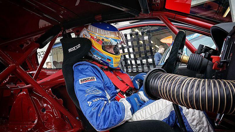 Marcel Obermeyer im Cockpit
