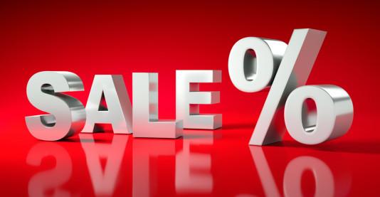 Sale + % auf rotem Untergrund